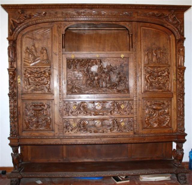 Conjunto de mesa de despacho madera tallada restauracion for Muebles tallados en madera
