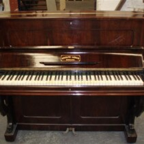 Vendo piano centenario del año1989
